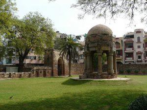tomb-in-garden
