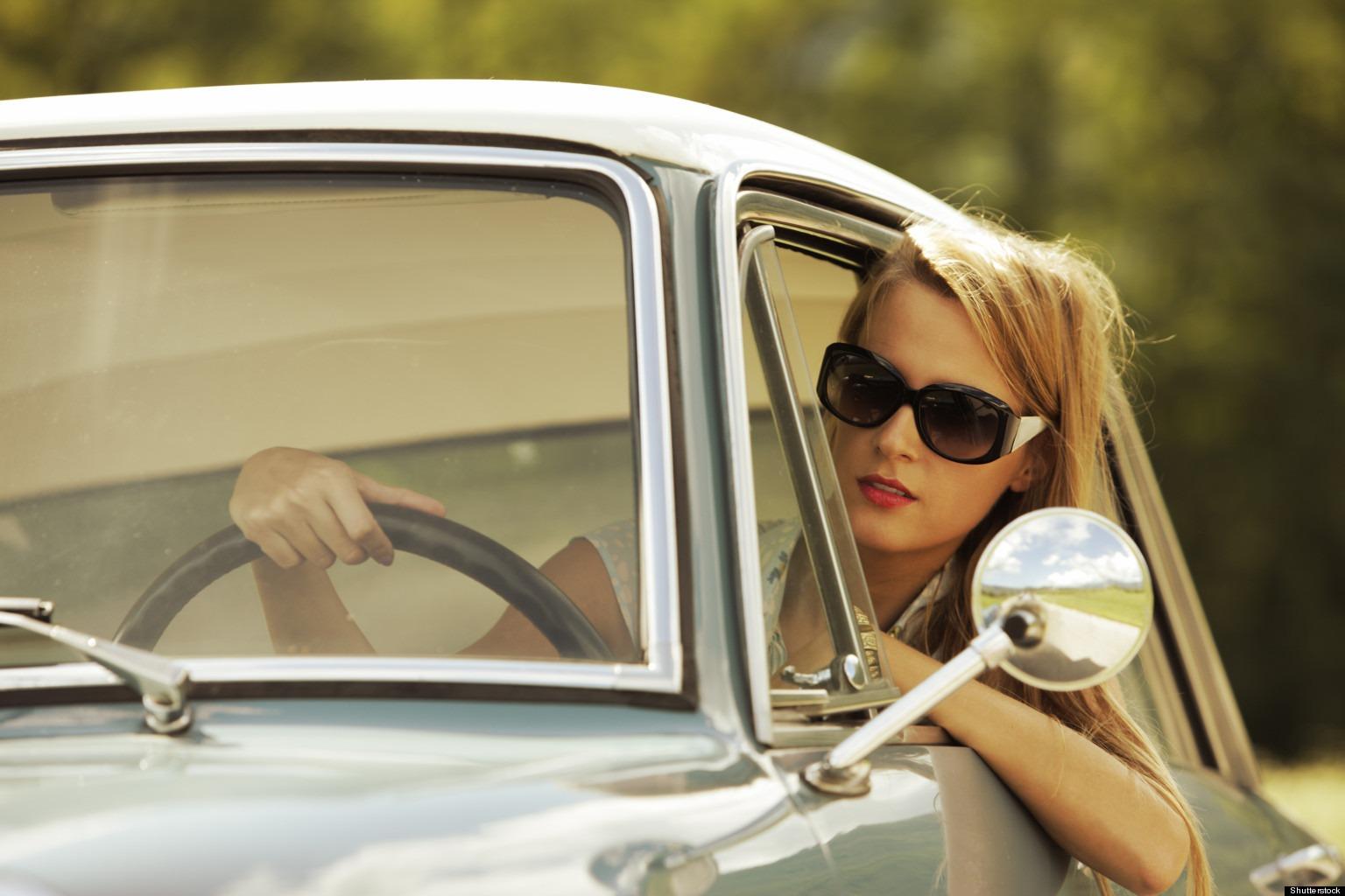 girls-driving