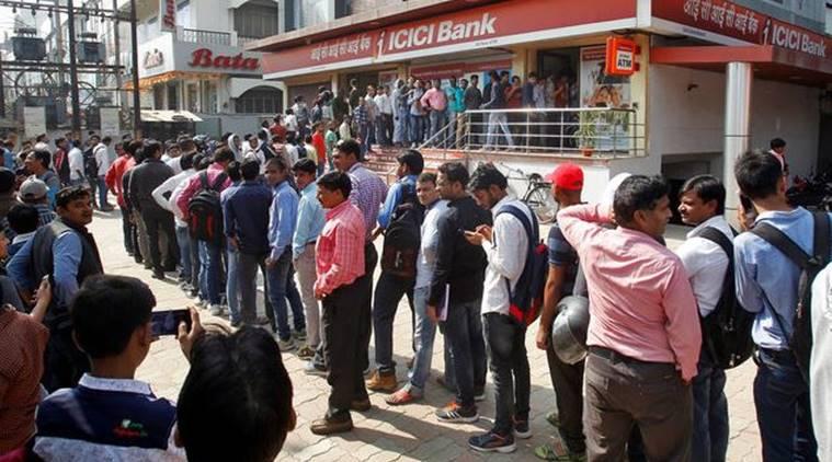 bank-crowd