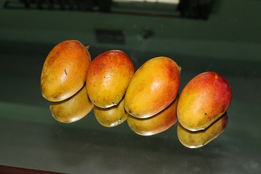 This is how eating mangoes each day can benefit you