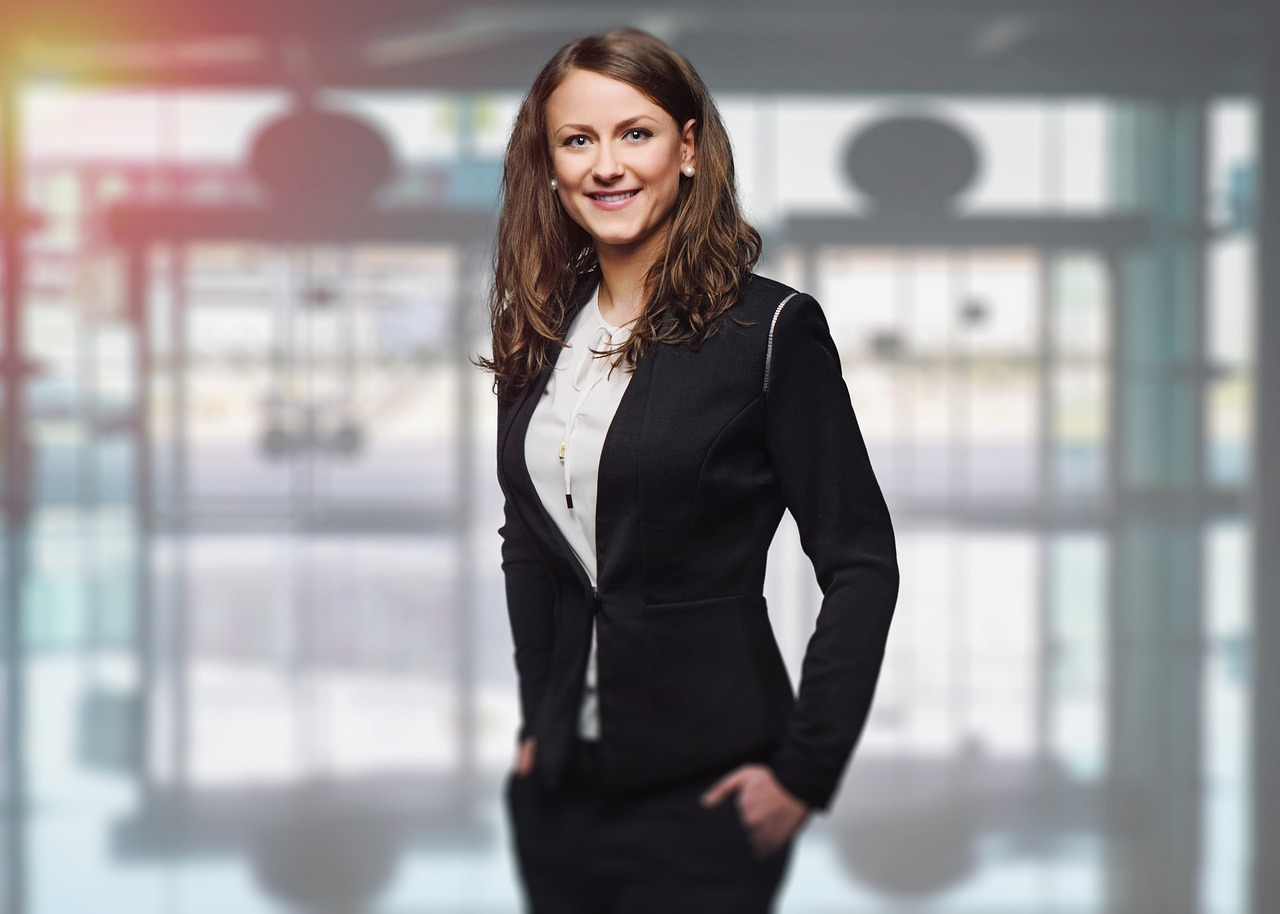 How to Become a successful Soloprenaur Women