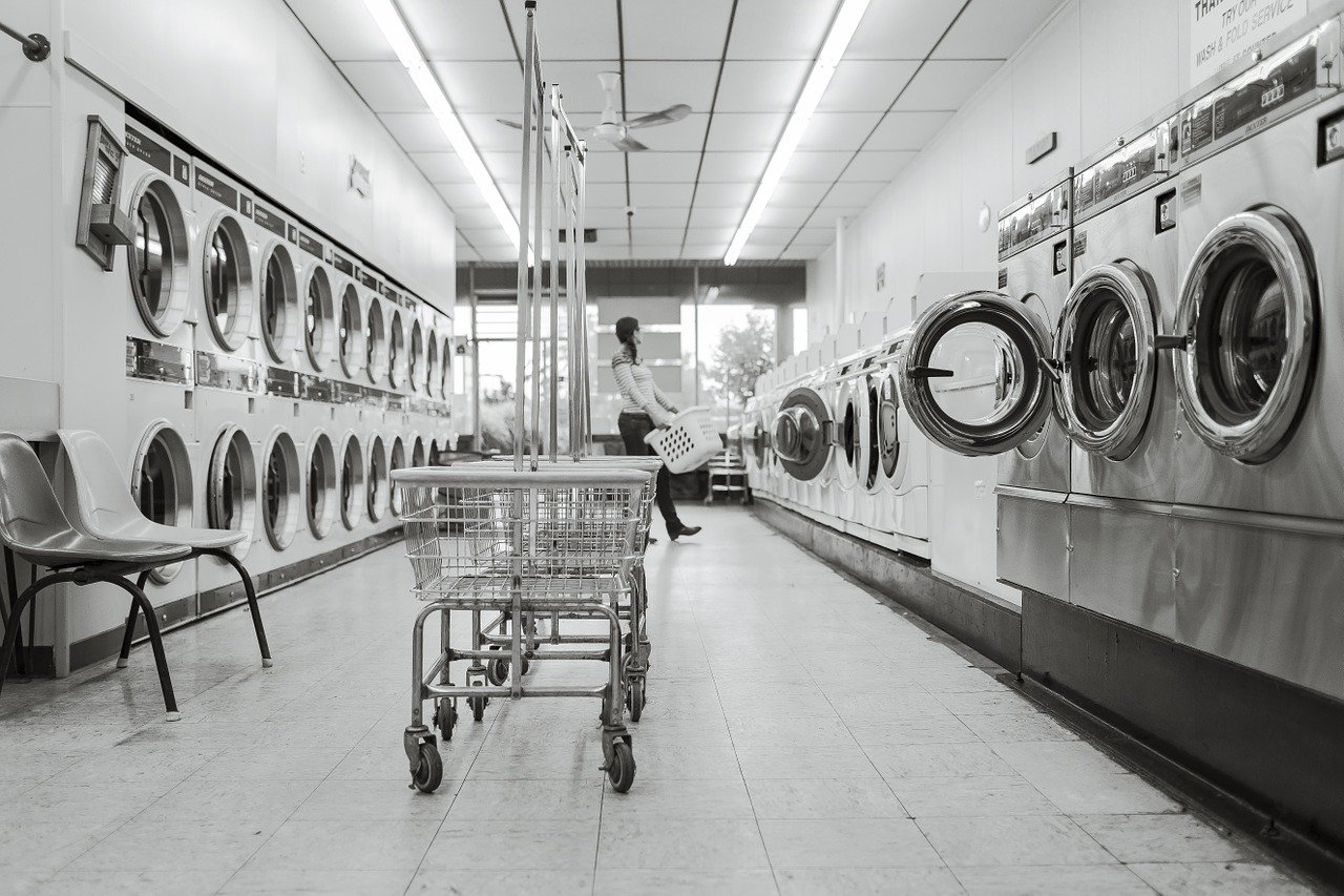 9 Essential Laundry Tips for PG students