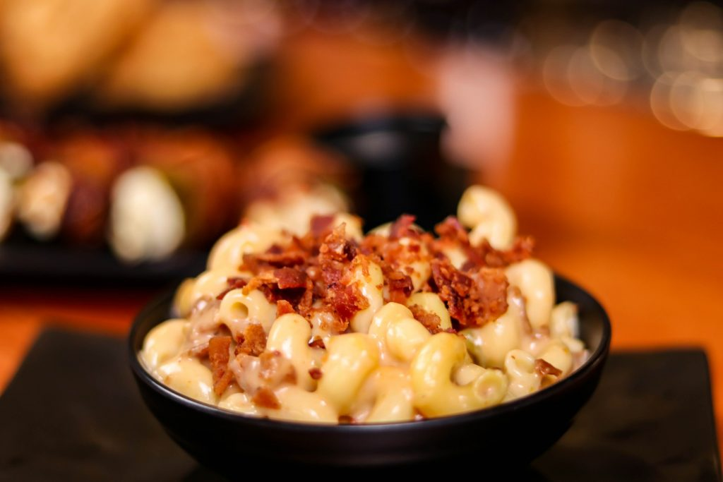 mac and cheese weird food combos