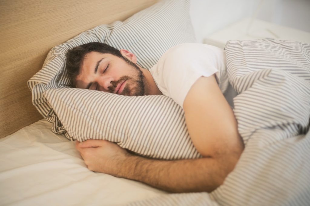 Complete and healthy sleep for better mental health.