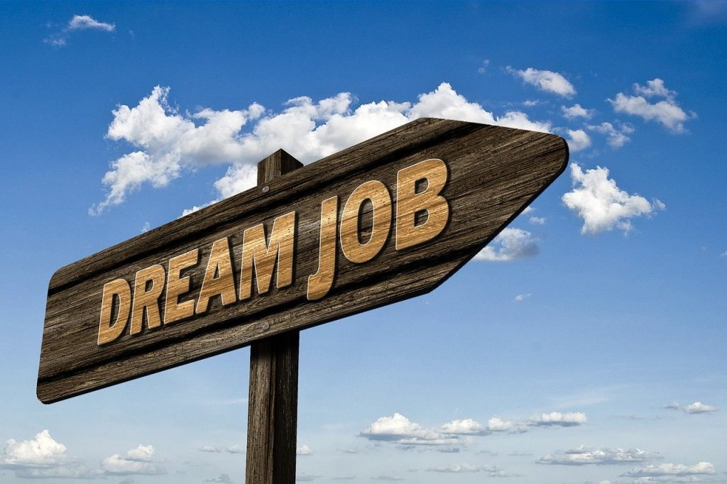 This image has an empty alt attribute; its file name is dream-job-2904780_1280-1024x682.jpg