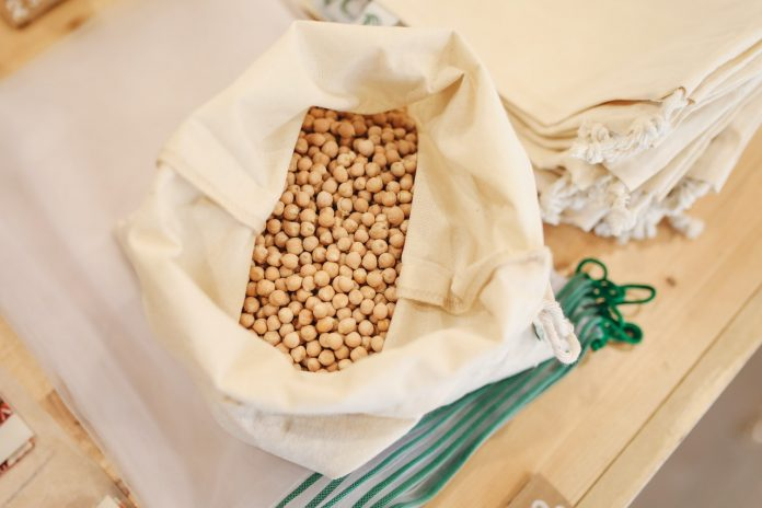 Raw soy beans