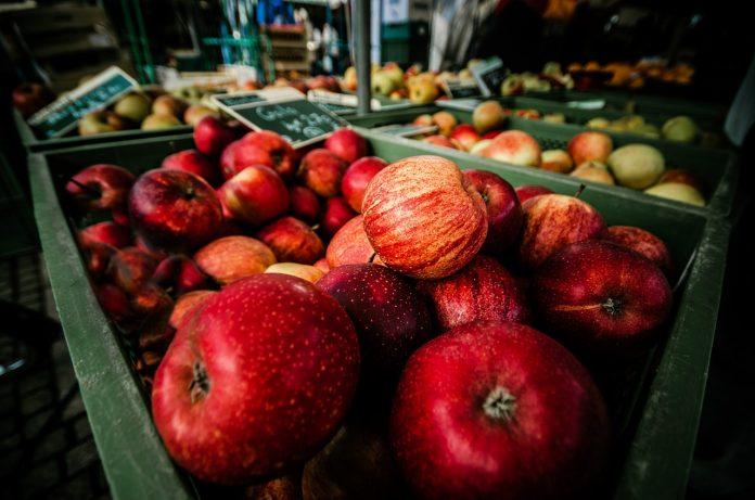 Loads of apples
